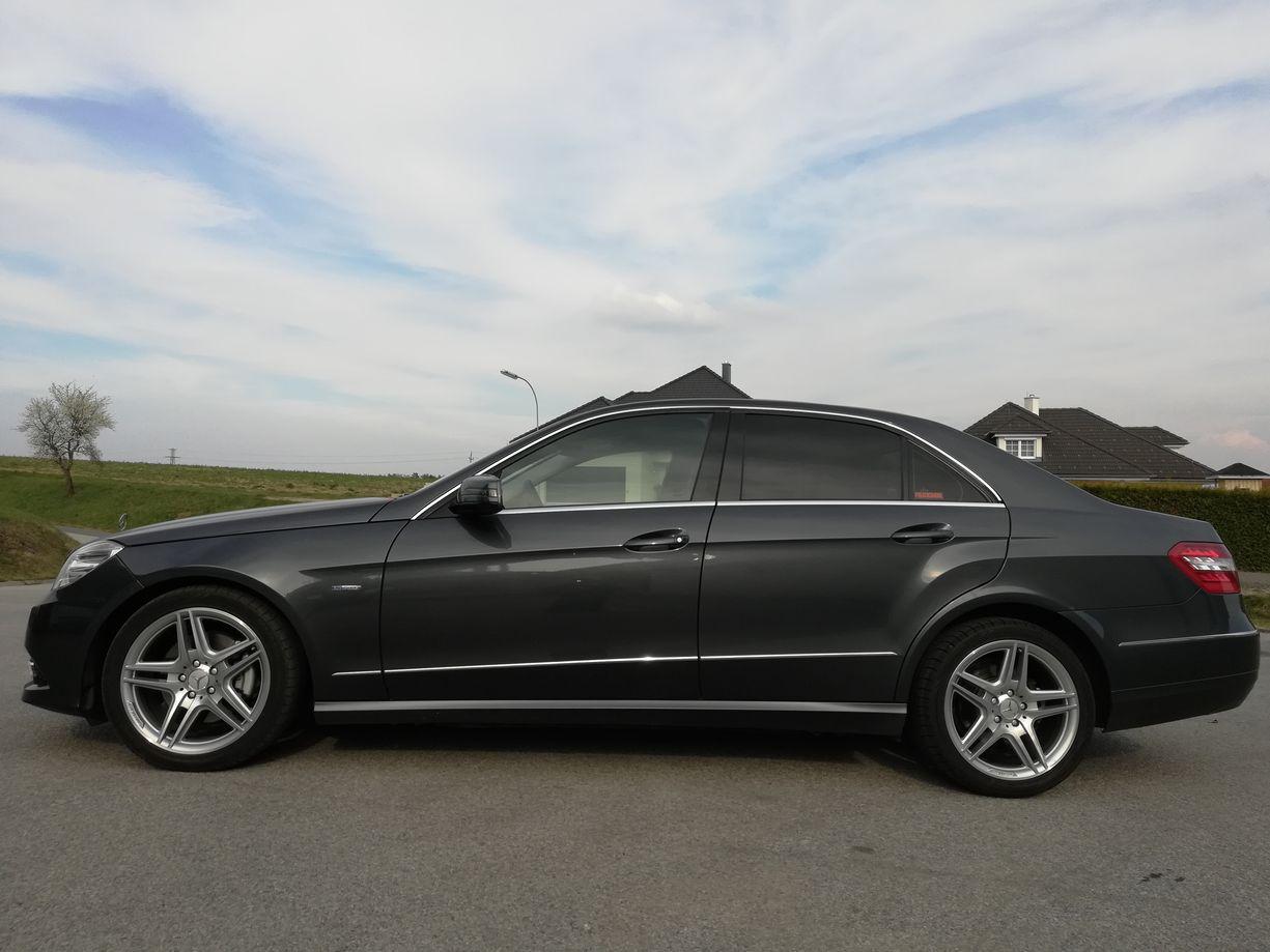 Mercedes E Klasse mit 5 Sitzplätze