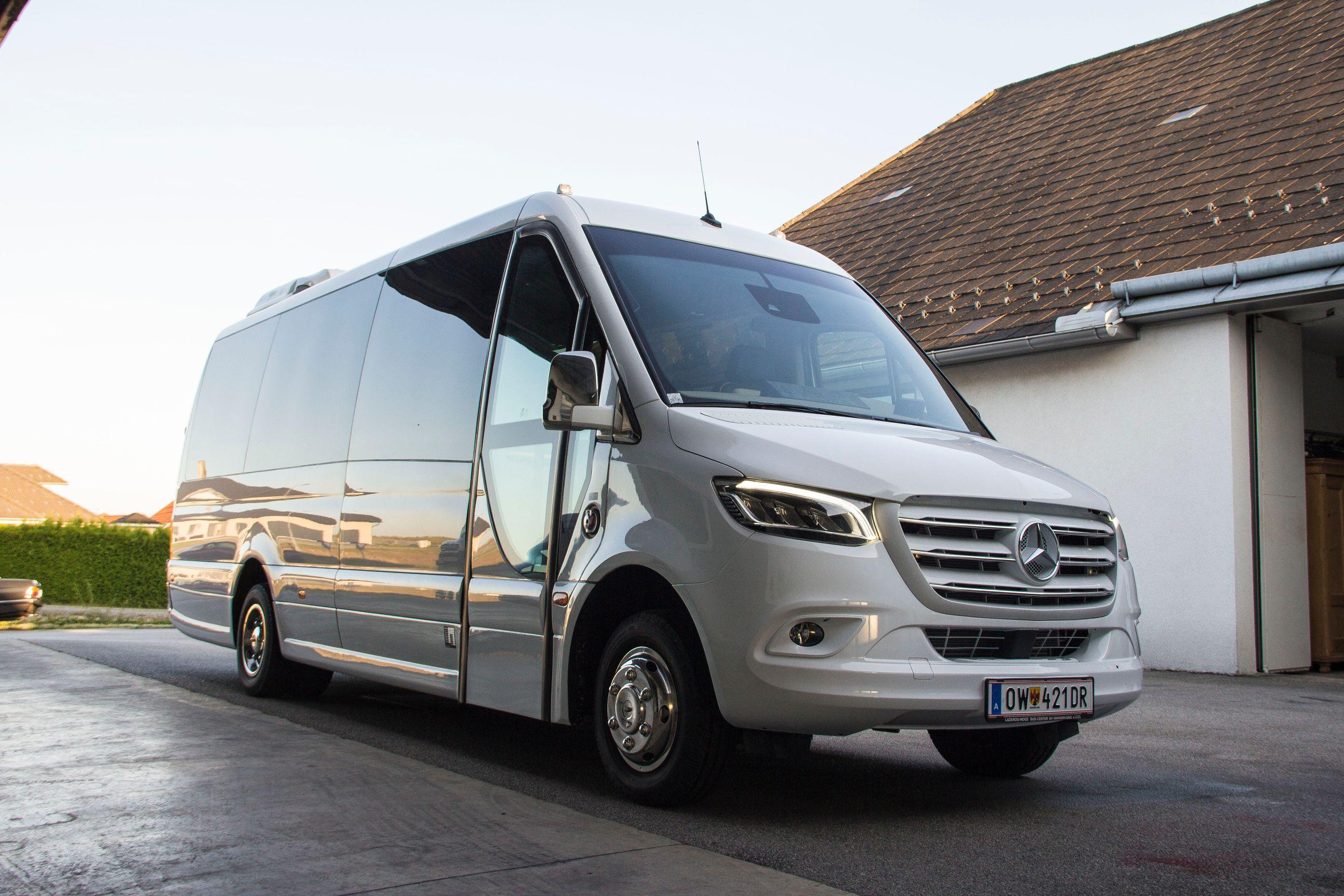 Mercedes Sprinter mit 20 Sitzplätze